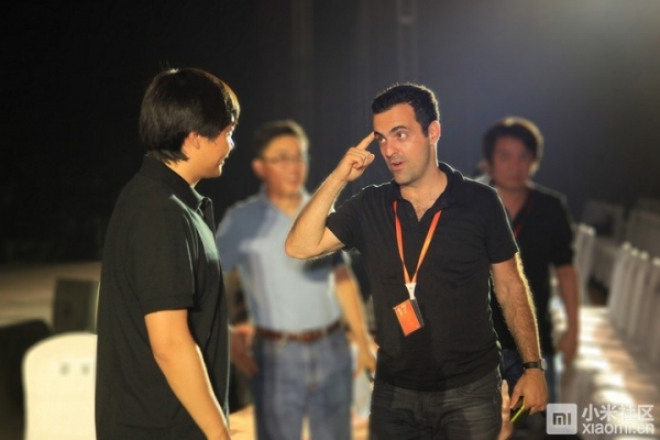 Lei Jun et Hugo Barra